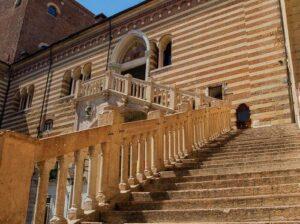 義大利威尼斯 Verona 維羅納 必玩 - Palazzo della Ragione = Palazzo del Comune 法理宮 = 維羅納市政宮