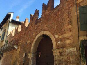 義大利威尼斯 Verona 維羅納 必玩 - Casa di Romeo = Casa dei Montecchi 羅密歐故居