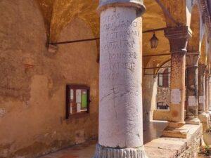 義大利威尼斯 錫爾苗內 = 西爾苗內 = 西米歐尼 Sirmione (威尼斯語 Sirmion) 必玩 - Chiesa di Santa Maria della neve 聖母瑪利亞教堂