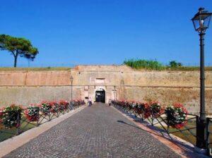 義大利威尼斯 Peschiera del Garda 佩斯基耶拉‧德爾‧加爾達 必玩 - Porta Brescia = Porta di Campagna 布雷西亞門