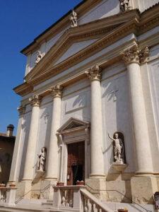 義大利威尼斯 拉齊塞 Lazise 必玩 - Chiesa Parrocchiale dei Santi Zenone e Martino 聖澤諾和聖馬蒂諾教堂