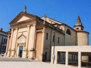 義大利威尼斯 Peschiera del Garda 佩斯基耶拉‧德爾‧加爾達 必玩 - Chiesa Parrocchiale di San Martino Vescovo 聖馬蒂諾教堂