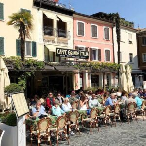 義大利威尼斯 錫爾苗內 = 西爾苗內 = 西米歐尼 Sirmione (威尼斯語 Sirmion) 必吃 - Caffè Grande Italia